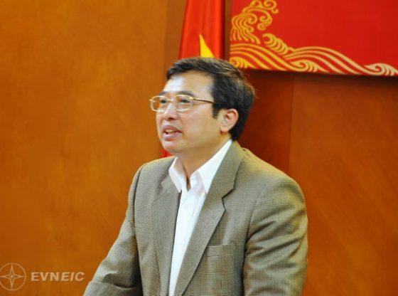 20111121_HoangQuocVuong